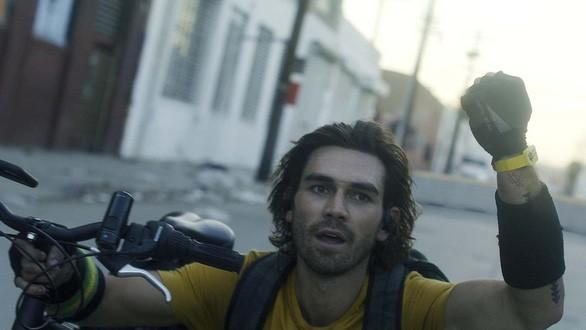 """Vì sao """"Songbird"""" - phim điện ảnh đầu tiên về dịch COVID-19 bị lùi ngày chiếu ở Việt Nam? ảnh 2"""