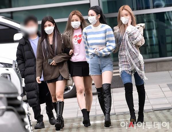 Hóa ra lâu nay netizen đã mắng oan Ning Ning khi thấy cô nàng ăn mặc quá phong phanh ảnh 1