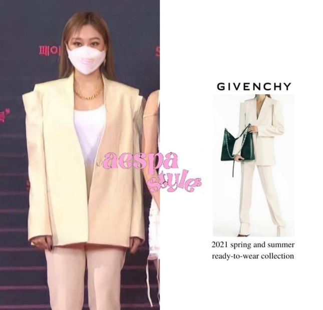 Vừa mới chê aespa mặc xấu, netizen càng sốc hơn khi biết xuất xứ trang phục của nhóm ảnh 4