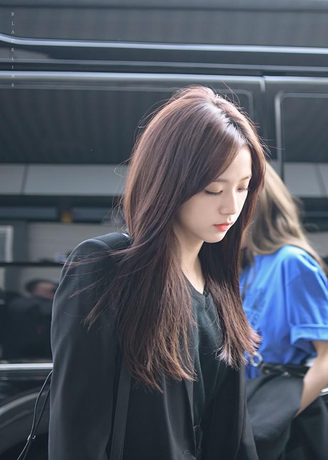 """Netizen Hàn bỗng dưng tranh cãi nảy lửa về Jisoo BLACKPINK, lý do thì rất """"cạn lời"""" ảnh 6"""