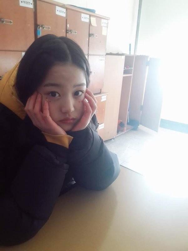 """Vì đâu netizen cho rằng Jang Won Young (IZ*ONE) không thể gọi là """"dậy thì thành công""""? ảnh 4"""