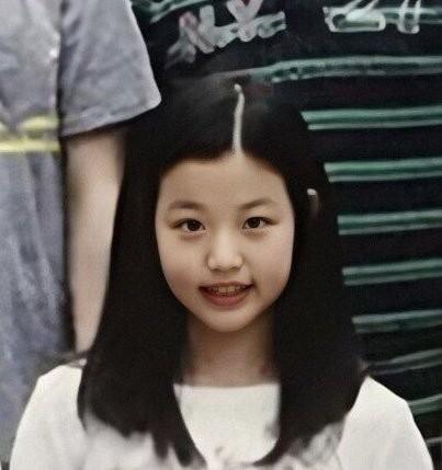 """Vì đâu netizen cho rằng Jang Won Young (IZ*ONE) không thể gọi là """"dậy thì thành công""""? ảnh 5"""