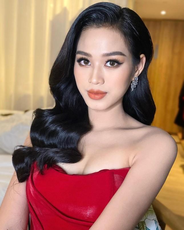 Chỉ cần đổi cách trang điểm, Hoa hậu Đỗ Thị Hà đã thăng hạng nhan sắc đến khó nhận ra ảnh 5