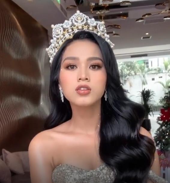 Chỉ cần đổi cách trang điểm, Hoa hậu Đỗ Thị Hà đã thăng hạng nhan sắc đến khó nhận ra ảnh 7