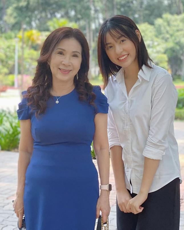 """Lần đầu đi catwalk, hotgirl """"Trứng rán cần mỡ"""" Trần Thanh Tâm đã gặp ngay tai nạn sàn diễn ảnh 2"""