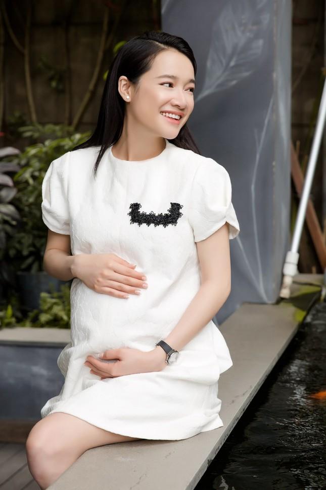 """Netizen bất ngờ khi nghe Nhã Phương tiết lộ về """"cú sốc tinh thần"""" sau khi sinh con ảnh 2"""