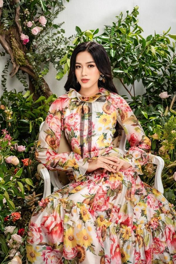 Tạm biệt hình ảnh lộng lẫy sang chảnh, Hoa hậu Đỗ Thị Hà ngọt ngào như nàng tiên hoa ảnh 4