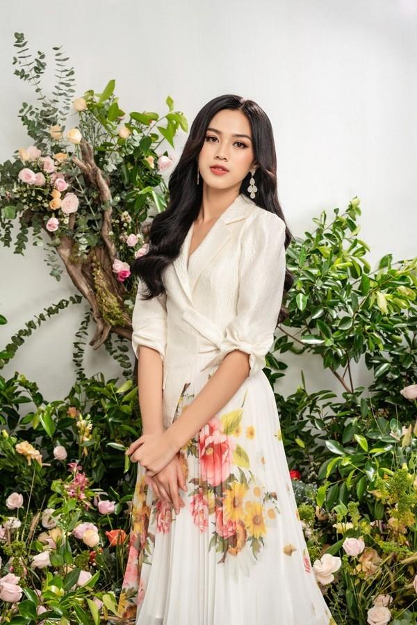 Tạm biệt hình ảnh lộng lẫy sang chảnh, Hoa hậu Đỗ Thị Hà ngọt ngào như nàng tiên hoa ảnh 8