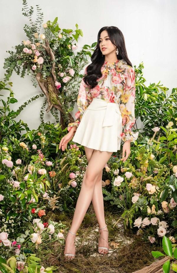 Tạm biệt hình ảnh lộng lẫy sang chảnh, Hoa hậu Đỗ Thị Hà ngọt ngào như nàng tiên hoa ảnh 5