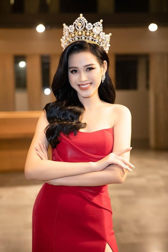 Tạm biệt hình ảnh lộng lẫy sang chảnh, Hoa hậu Đỗ Thị Hà ngọt ngào như nàng tiên hoa ảnh 1