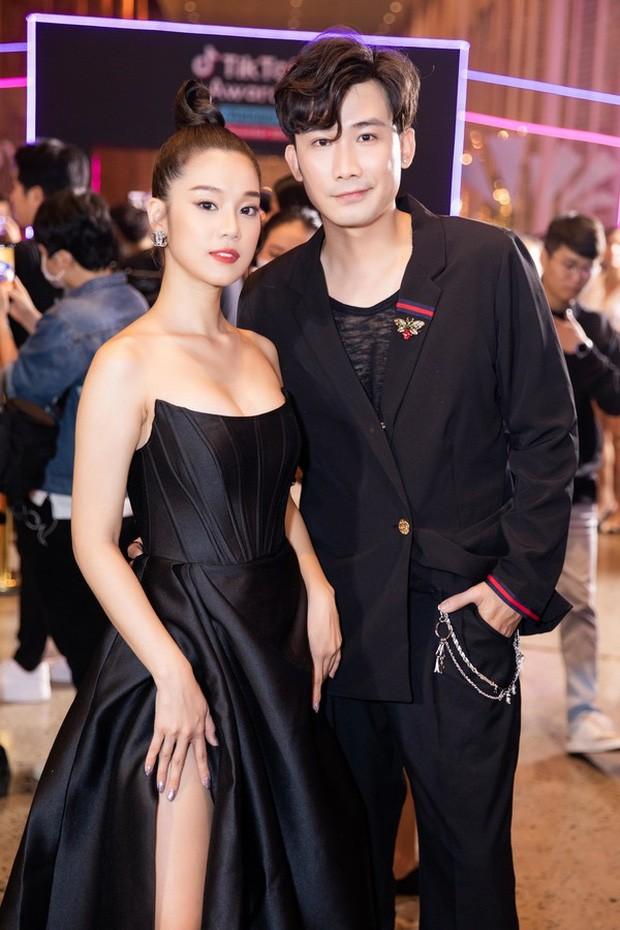 Sau Nam Em, hàng loạt mỹ nhân Việt bị nghi mặc váy nhái giống của Seo Ye Ji ảnh 4