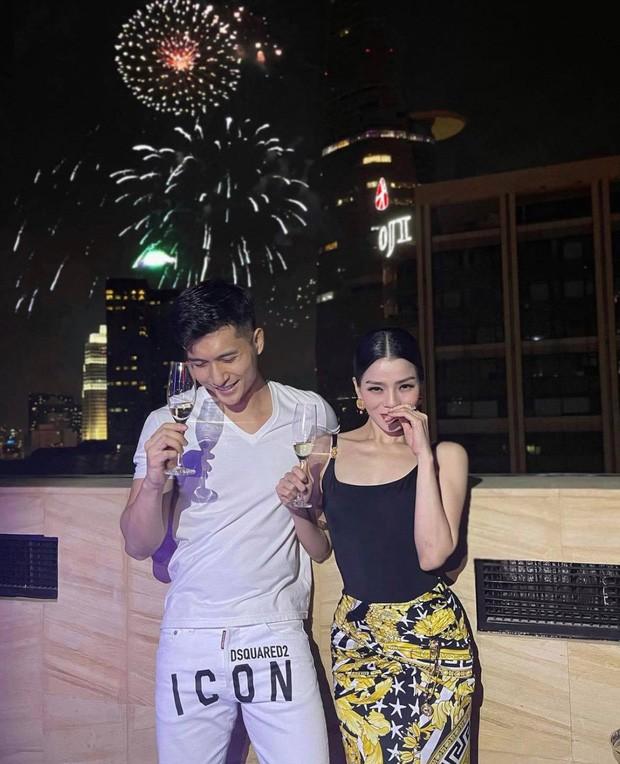 Hậu ly hôn, ca sĩ Lệ Quyên và chồng cũ trở thành cặp đôi gây ồn ào nhất showbiz Việt ảnh 2