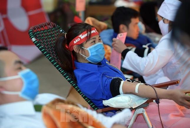 Hàng nghìn người chung tay giúp hành trình Chủ Nhật Đỏ 2021 tiếp nhận lượng máu kỷ lục ảnh 1