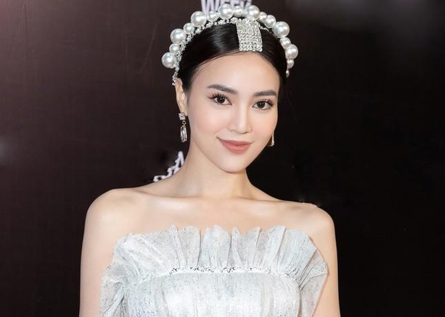 """Một sao Việt vừa chốt đơn rinh về chiếc """"bờm tóc thị phi"""" giống như của Jisoo (BLACKPINK) ảnh 1"""