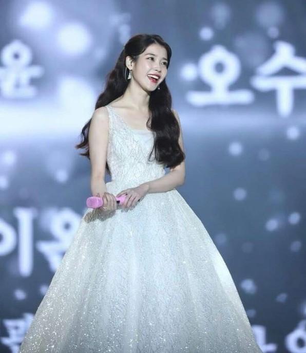 """Idol K-Pop xinh đẹp thì nhiều nhưng chỉ 3 nhân vật này được xem là """"công chúa đích thực"""" ảnh 4"""