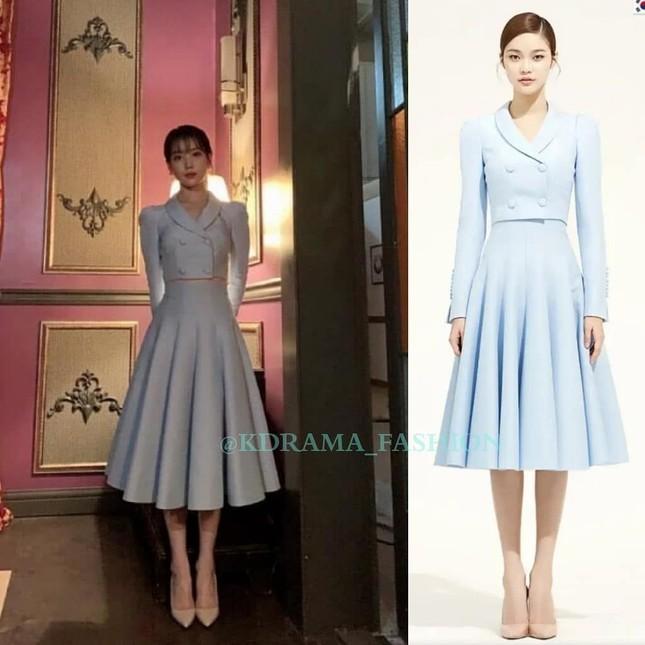 """Váy cạp cao khoe eo thon như Seo Ye Ji đang thành """"chân ái"""" của hàng loạt sao châu Á ảnh 2"""