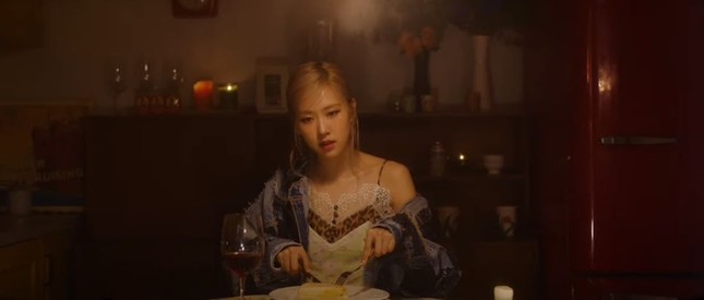 Chỉ 33 giây nhưng teaser riêng của Rosé cài cắm cực nhiều chi tiết liên quan tới BLACKPINK ảnh 3