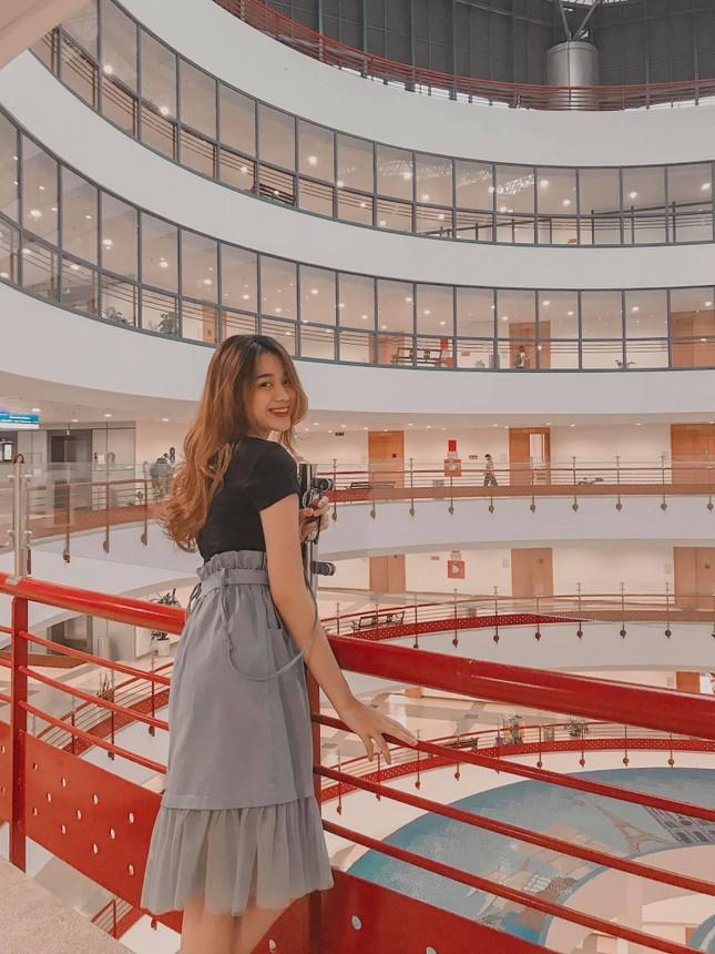 """Hoa hậu Đỗ Thị Hà gia nhập hội """"mỹ nhân mê túi hiệu"""" và đặc biệt yêu thích thương hiệu này ảnh 1"""