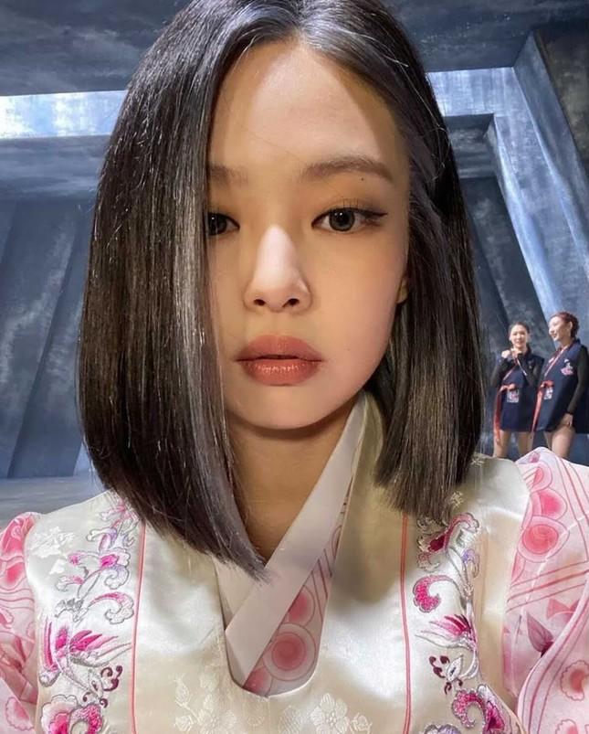 Nhìn lại 7749 kiểu tóc của Jennie: Ngay cả kiểu kỳ quặc nhất cũng vẫn thấy xinh ảnh 13