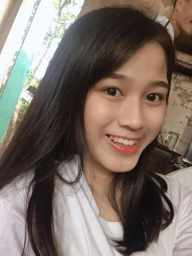 """Hoa hậu Đỗ Thị Hà cứ khoe mặt mộc là gây """"bão mạng"""": Da căng bóng, đẹp đỉnh cao!  ảnh 6"""
