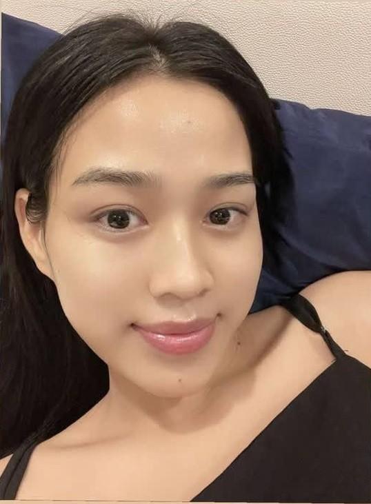 """Hoa hậu Đỗ Thị Hà cứ khoe mặt mộc là gây """"bão mạng"""": Da căng bóng, đẹp đỉnh cao!  ảnh 2"""