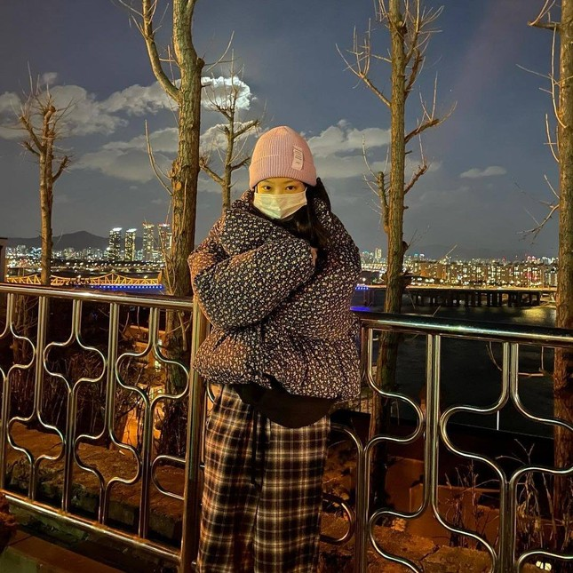 BLACKPINK đồng loạt lăng xê một chiếc quần, netizen truy tìm lai lịch thì càng bất ngờ hơn ảnh 3