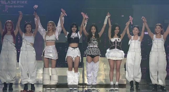 BLACKPINK diện toàn đồ đẹp trong concert The Show nhưng vẫn có một bộ khiến netizen khó cảm ảnh 9