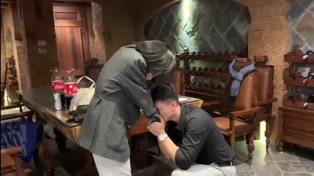 Diễn viên Huỳnh Anh cầu hôn bạn gái hơn tuổi nhưng bất ngờ nhất là khung cảnh xung quanh ảnh 3