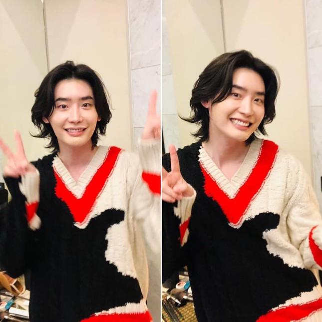 """Đi tìm sự thật phía sau màn nuôi tóc dài hóa """"bà thím"""" của Sehun (EXO) và Lee Jong Suk ảnh 5"""