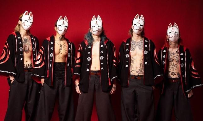 Chỉ mới phát hành hai bài hát, tân binh Nhật Bản đã cán mốc 1 triệu người theo dõi ảnh 1