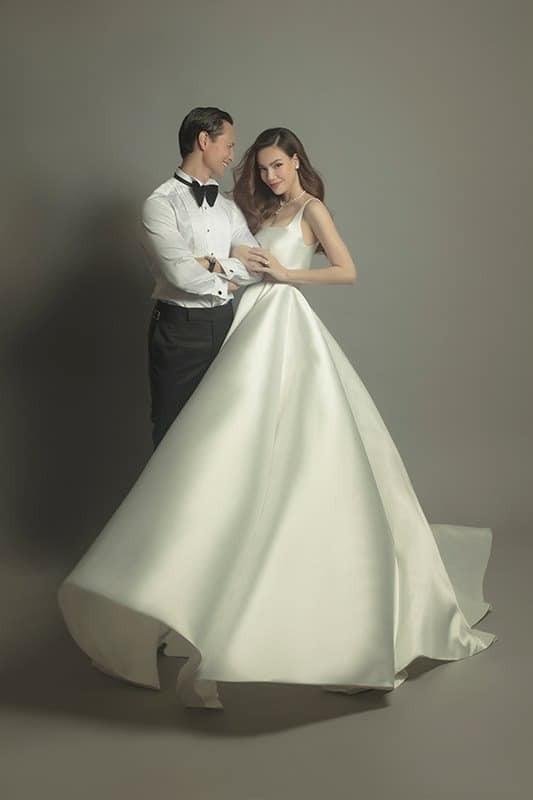 """Soi váy cưới của Hồ Ngọc Hà trong bộ ảnh """"rất giống ảnh cưới"""": Đơn giản mà cực kiêu sa! ảnh 5"""