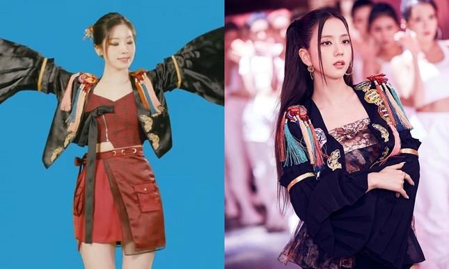 Cứ ngỡ Dahyun (TWICE) đụng hàng hanbok với Jisoo (BLACKPINK) nhưng sự thực ê chề hơn nhiều ảnh 1