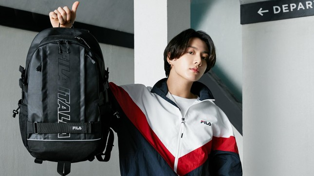 Học Jungkook (BTS) bí quyết vượt qua khủng hoảng tuổi 20 để có được thanh xuân hạnh phúc ảnh 1