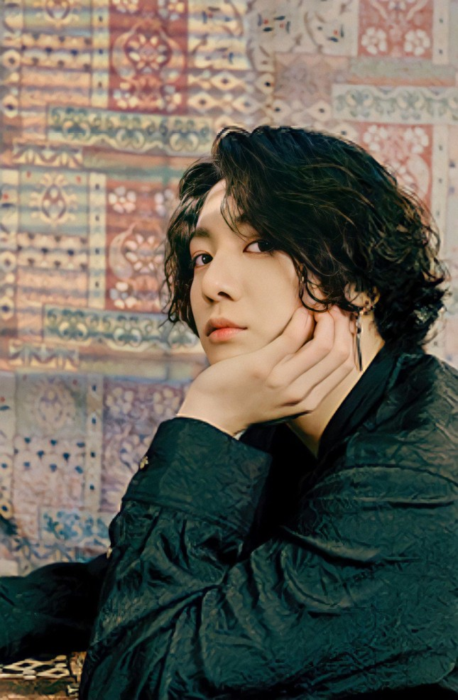 Học Jungkook (BTS) bí quyết vượt qua khủng hoảng tuổi 20 để có được thanh xuân hạnh phúc ảnh 3