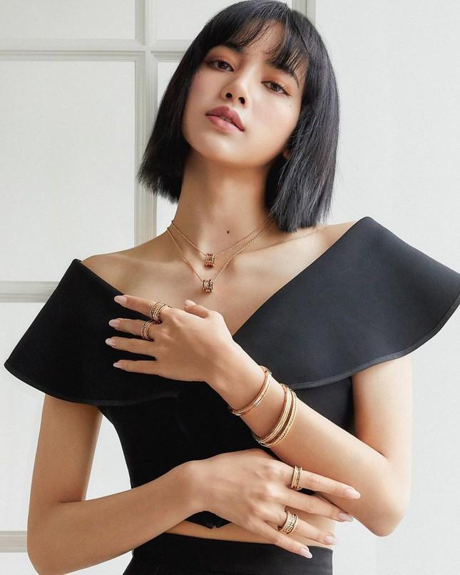 Ngắm BLACKPINK quảng cáo đồ trang sức: Từ nữ tổng tài đến cô nàng cá tính đều cân được hết ảnh 8