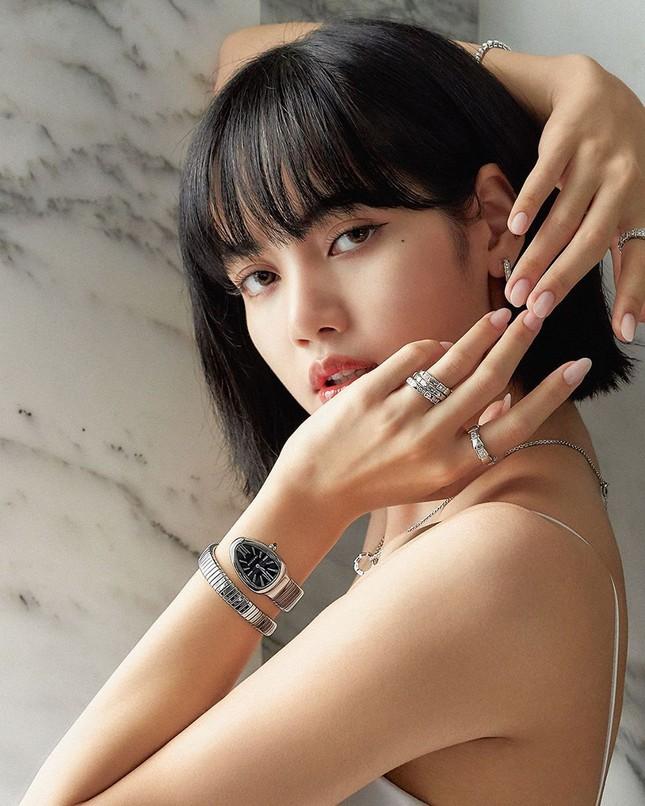 Ngắm BLACKPINK quảng cáo đồ trang sức: Từ nữ tổng tài đến cô nàng cá tính đều cân được hết ảnh 7