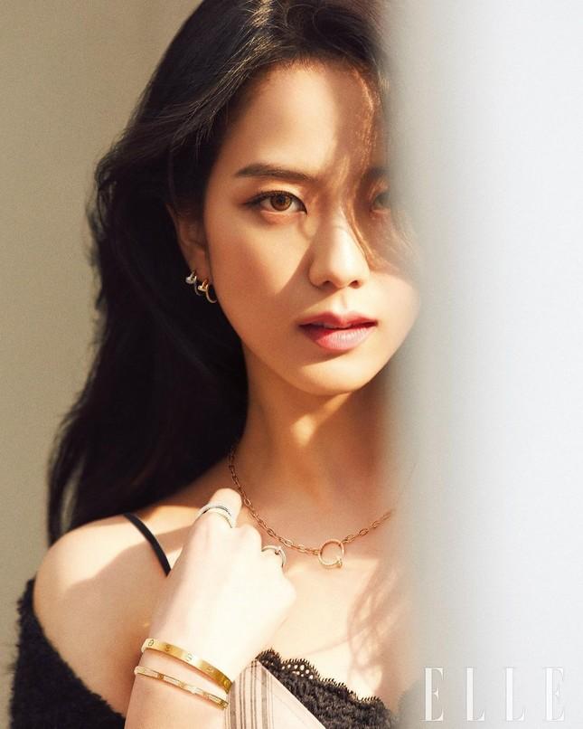 Ngắm BLACKPINK quảng cáo đồ trang sức: Từ nữ tổng tài đến cô nàng cá tính đều cân được hết ảnh 3