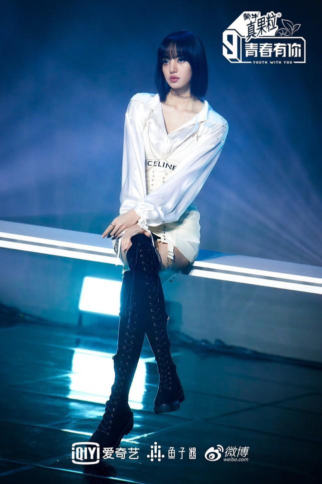 """""""Thanh Xuân Có Bạn 3"""" vừa tung ảnh giới thiệu, nhờ đâu Lisa leo thẳng lên hot search Weibo? ảnh 6"""