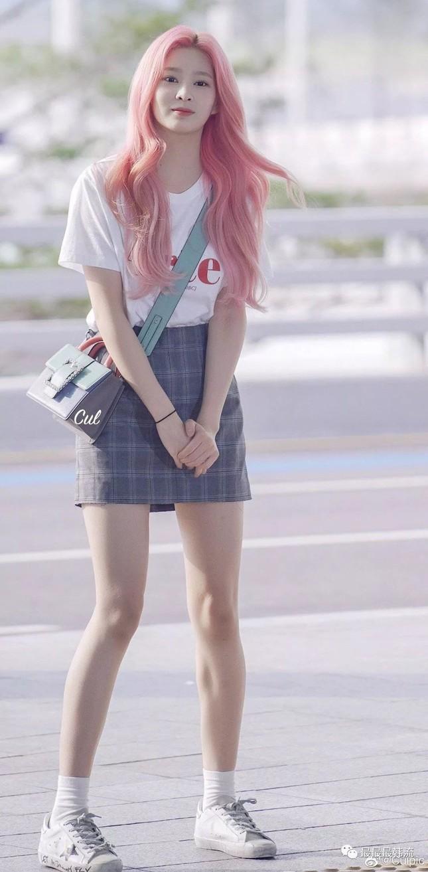 Những nữ idol dáng đẹp nhưng ít được khen ngợi: Ngoài Jisoo (BLACKPINK) còn thêm ai nữa? ảnh 3