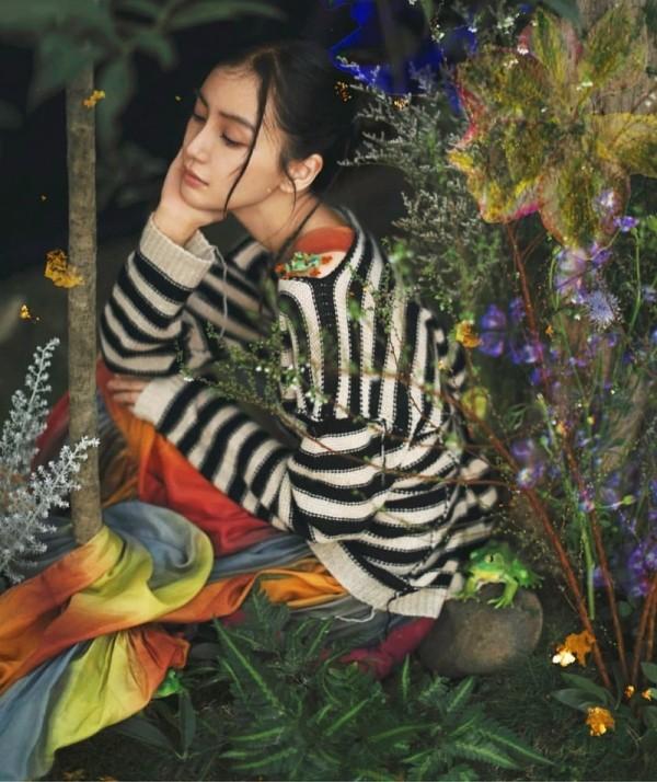 """Đã tìm ra """"chiếc váy thần thánh"""" được các mỹ nhân châu Á yêu thích nhất: Jisoo liệu có thắng thế? ảnh 4"""