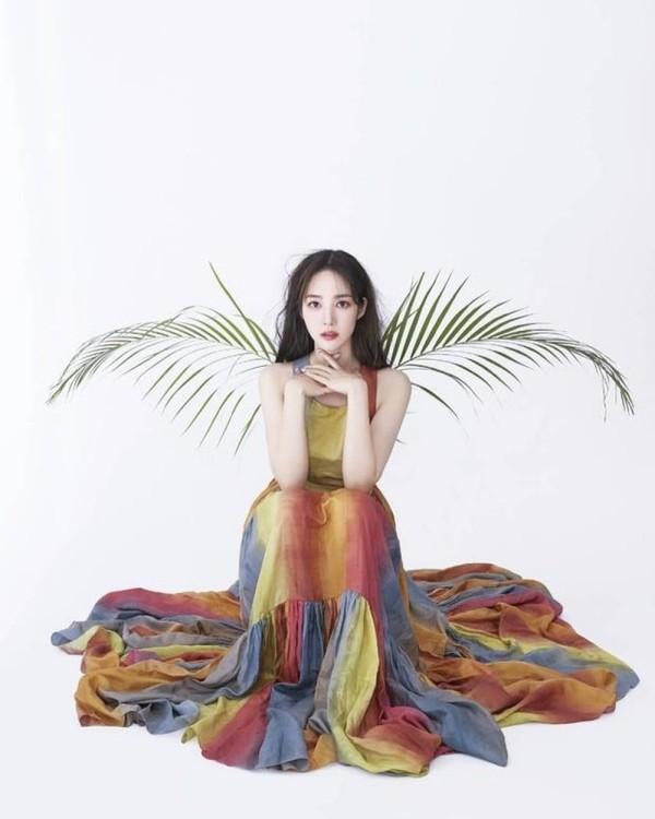 """Đã tìm ra """"chiếc váy thần thánh"""" được các mỹ nhân châu Á yêu thích nhất: Jisoo liệu có thắng thế? ảnh 5"""