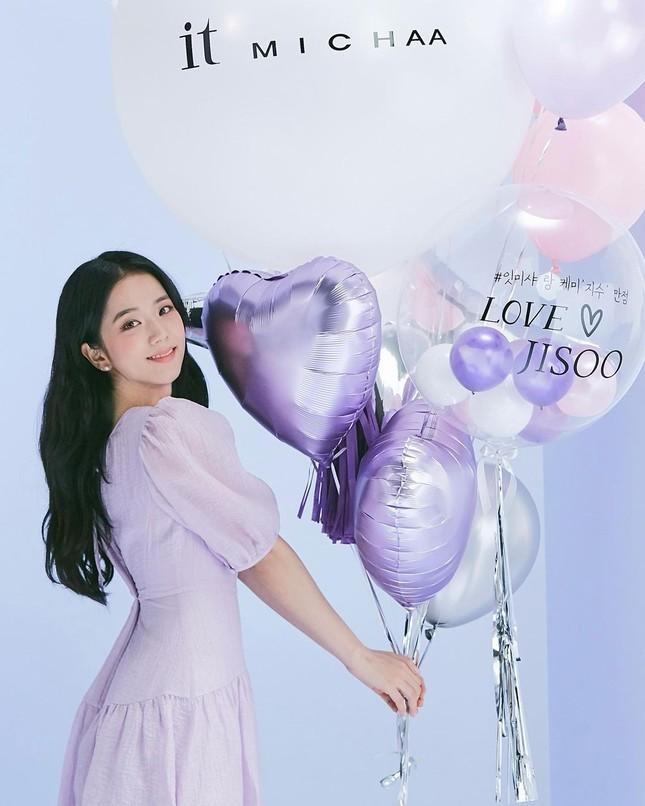Jisoo (BLACKPINK) liệu có tụt hạng khi chỉ là đại sứ cho thương hiệu thời trang nội địa? ảnh 1