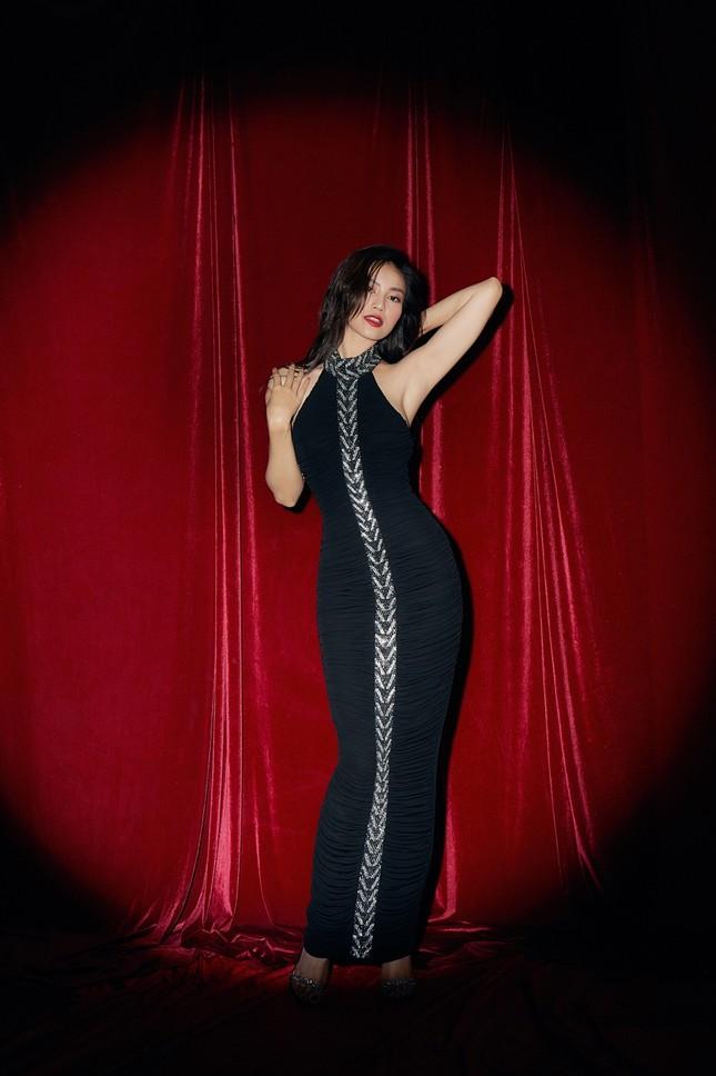 Ba ngọc nữ phim Việt so sắc vóc với đầm đen: Nhã Phương liệu có thua Lan Ngọc, Diễm My? ảnh 4