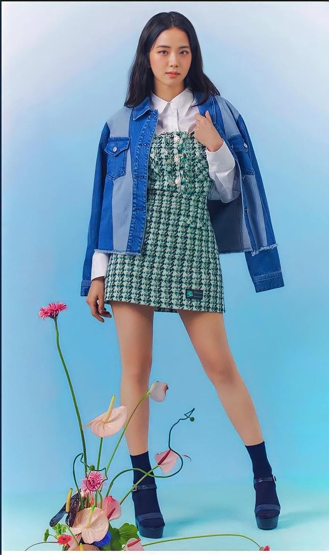 """Sau tất cả, Jisoo (BLACKPINK) đã tìm được kiểu váy sang chảnh mà """"rất hợp với dáng em"""" ảnh 5"""