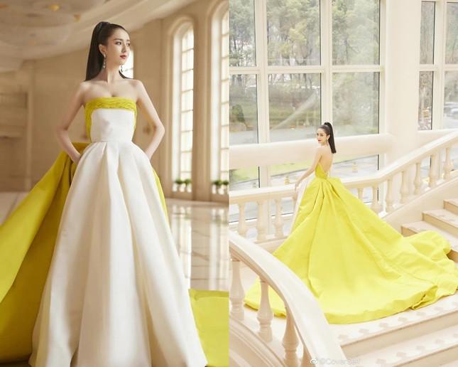 Màu vàng lên ngôi tại Đêm hội Weibo: Do vô tình đụng hàng hay là xu hướng mới? ảnh 5