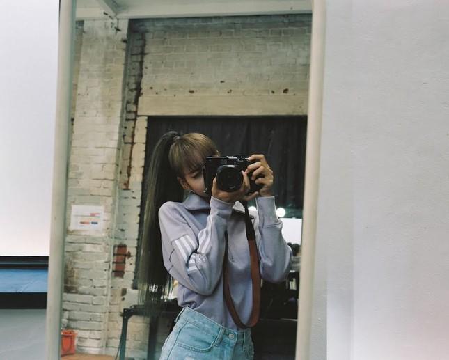 Muốn có ảnh selfie xịn xò với gương, hãy học ngay những bí quyết này của BLACKPINK! ảnh 8