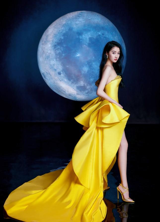 Đại chiến nhan sắc trên thảm đỏ Đêm hội Weibo 2020: Triệu Lệ Dĩnh, Angela Baby phải chịu thua đàn em ảnh 10