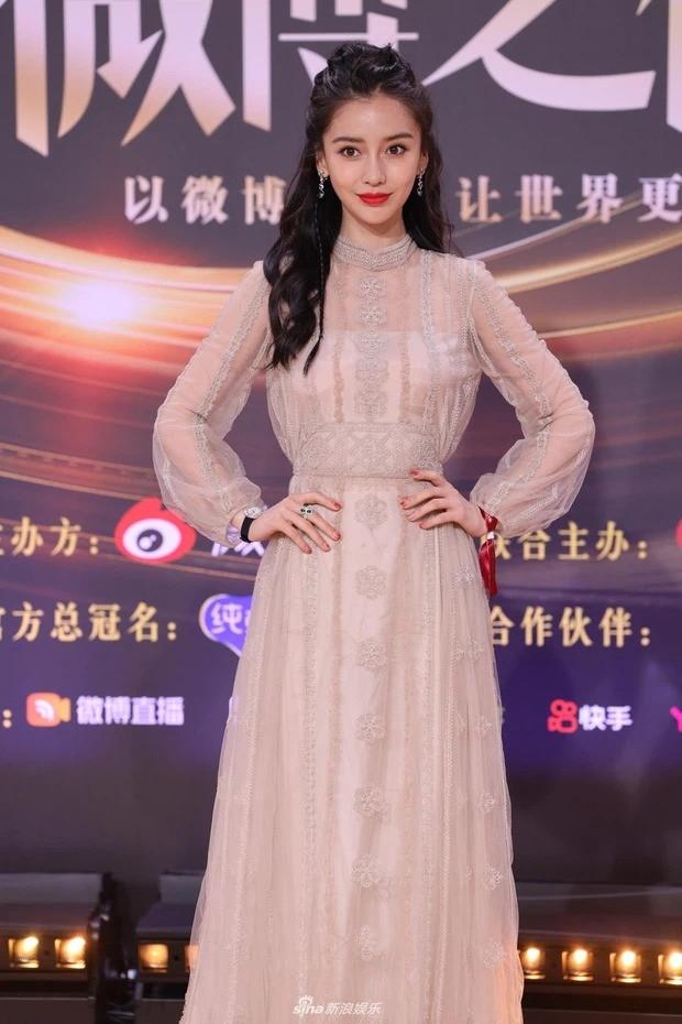 Đại chiến nhan sắc trên thảm đỏ Đêm hội Weibo 2020: Triệu Lệ Dĩnh, Angela Baby phải chịu thua đàn em ảnh 6