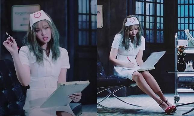 """Sau Jennie (BLACKPINK), tới lượt Yeri (Red Velvet) nhận """"gạch đá"""" chỉ vì mặc đồ y tá lệch chuẩn ảnh 1"""