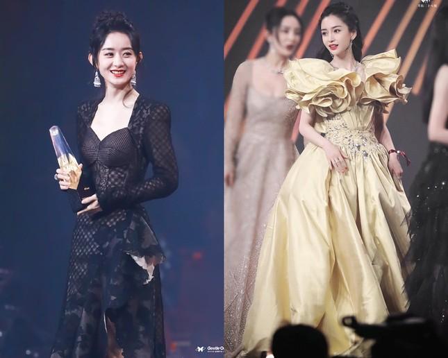 Lý do khiến Dương Mịch tránh đi thảm đỏ Đêm hội Weibo là vì lai lịch bất thường của bộ váy? ảnh 5